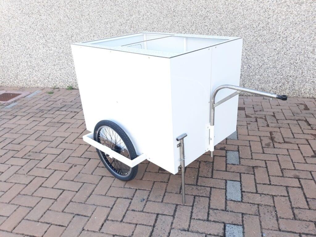 cargo bike bici rimorchietto bianco
